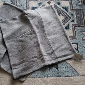 NWT West Elm 24in  Cotton Canvas Covers kn Iron